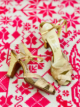 Load image into Gallery viewer, Vintage 1930s gold mesh metallic sandals