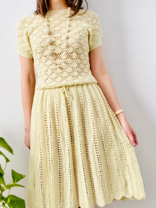 Vintage 1960s buttery yellow crochet dress with scalloped hem