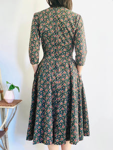 Vintage 1950s Novelty Heart Print Floral Dress w Neck Ties
