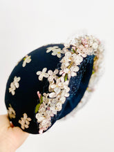 Load image into Gallery viewer, Vintage 1930s Millinery Hat Lilac Blossoms Wool Fascinator