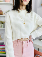 Load image into Gallery viewer, Vintage distressed hem white cropped sweater fringed top