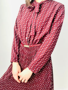 Vintage burgundy color novelty print rayon dress w ribbon ties