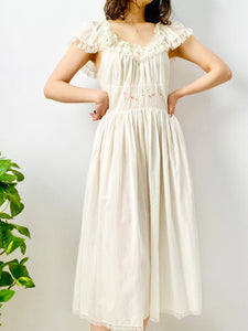 Vintage 1940s white cotton dress with ruffled lace and embroidery