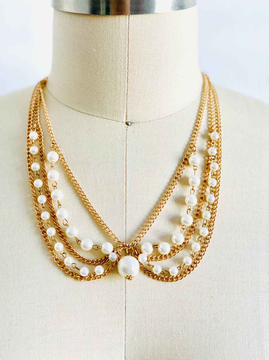 Vintage gold tone pearl necklace collar style choker
