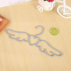 Set of Angel Wings Non-Slip Clothes Hanger Pink or White