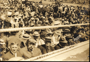SULLIVAN, JOHN L. ANTIQUE PHOTO (1910-RINGSIDE AT JOHNSON-JEFFRIES FIGHT)