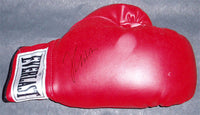 CHAVEZ, JULIO CESAR SIGNED GLOVE