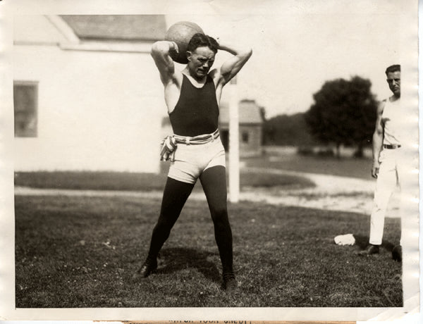 MCTIGUE, MIKE TRAINING WIRE PHOTO (1923)
