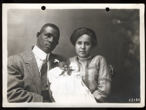 KID, DIXIE ORIGINAL ANTIQUE PHOTO (1911-WITH WIFE)