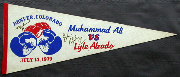 ALI, MUHAMMAD-LYLE ALZADO SIGNED SOUVENIR PENNANT (1979-SIGNED BY BOTH)