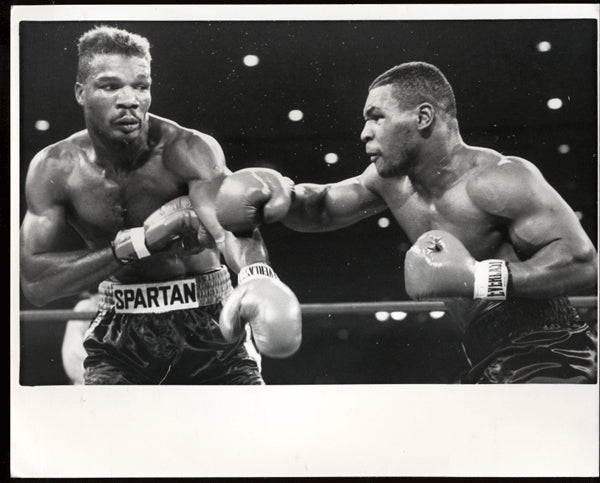 TYSON, MIKE-ALFONZO RATLIFF ORIGINAL ACTION PHOTOGRAPH (1986)