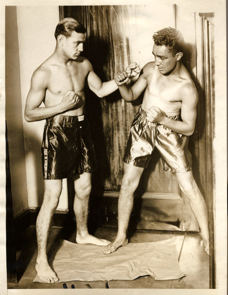 SINGER, AL-CARL DUANE WIRE PHOTO (1929-SQUARING OFF)