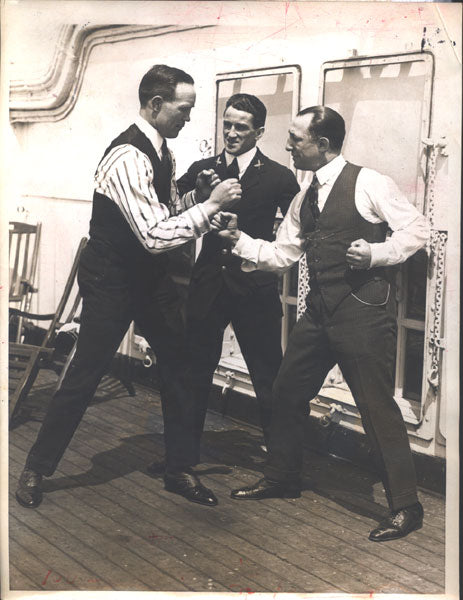 MCTIGUE, MIKE & ABE ATTELL WIRE PHOTO (1923)