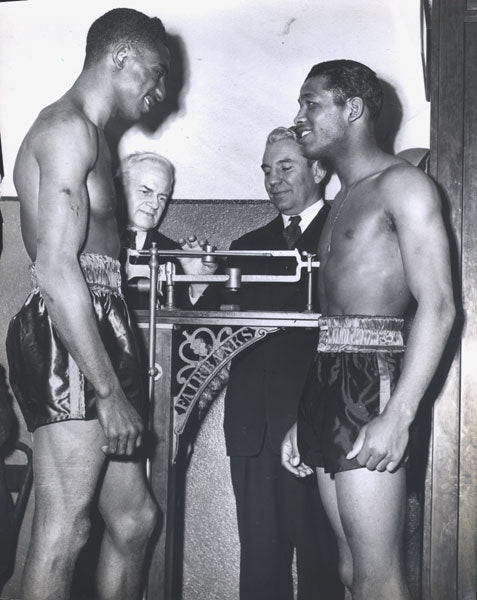 ROBINSON, SUGAR RAY-TOMMY BELL ORIGINAL WEIGHIN WIRE PHOTO (1946)
