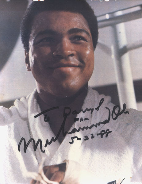 ALI, MUHAMMAD SIGNED PHOTOGRAPH
