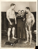 ROSENBLOOM, MAXIE-ACE HUDKINS WIRE PHOTO (WEIGHING IN-1930)