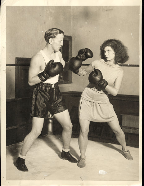 HUDKINS, ACE WIRE PHOTO (1928-WITH DANCER TAMARIS)
