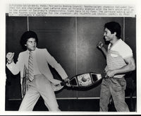 SANCHEZ, SALVADOR-JUAN LAPORTE WIRE PHOTO (1980-PRE FIGHT POSE)