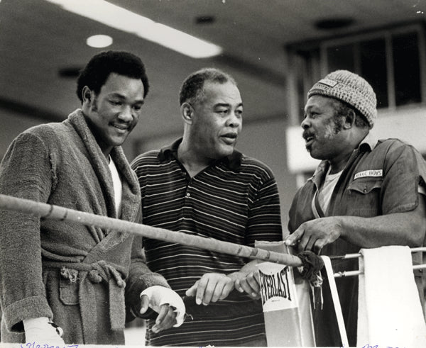 FOREMAN, GEORGE & ARCHIE MOORE & JOE LOUIS WIRE PHOTO (1973)