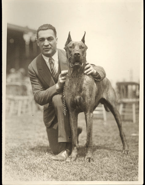BERLENBACH, PAUL WIRE PHOTO (WITH HIS DOG SHORTY)