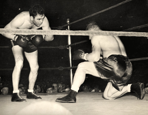 SCHMELING, MAX-HARRY THOMAS WIRE PHOTO (1937-END OF FIGHT)