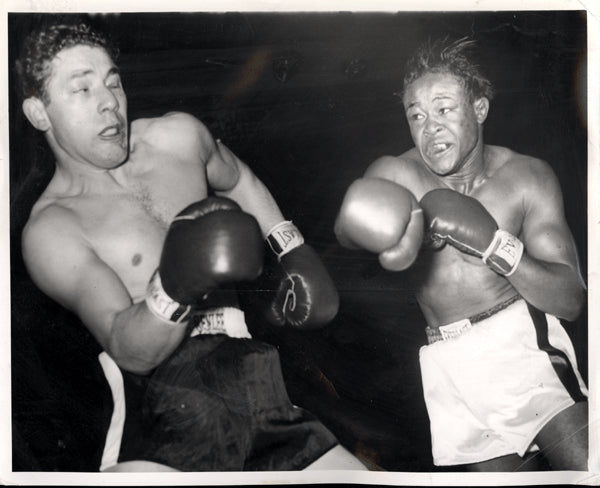 GAVILAN, KID-TONY JANIRO WIRE PHOTO (1951-4TH ROUND)