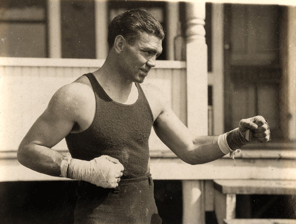 DEMPSEY, JACK ORIGINAL ANTIQUE PHOTO (EARLY 1920's TRAINING)