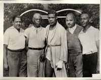 LOUIS, JOE WITH MANAGERS & TRAINERS WIRE PHOTO (1935)