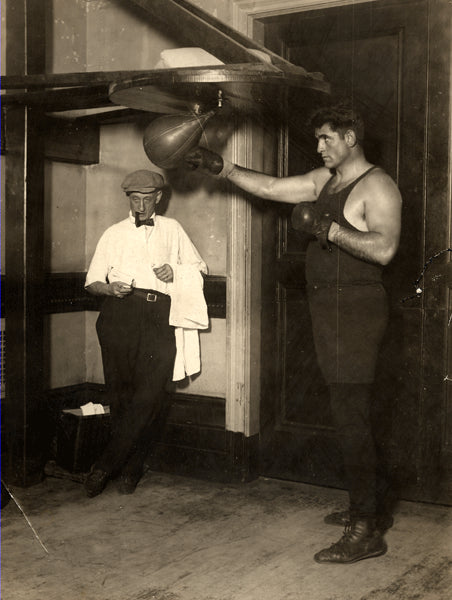 FIRPO, LUIS & TRAINER JIMMY DEFOREST WIRE PHOTO (1923-TRAINING FOR DEMPSEY)