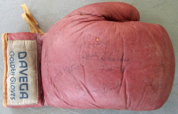 BOXING GLOVE SIGNED (INCLUDING JACK SHARKEY & 4 OTHERS)