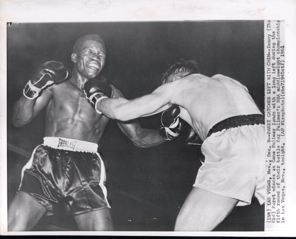 "FULLMER, GENE-BENNY ""KID"" PARET WIRE PHOTO (1961-5TH ROUND)"