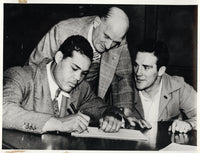 LOUIS, JOE-BILLY CONN I WIRE PHOTO (1941-SIGNING FOR THE FIGHT)