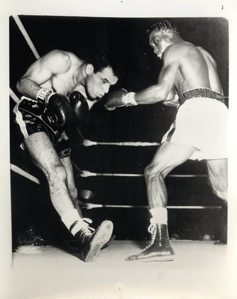 BROWN, JOE-RALPH DUPAS WIRE PHOTO (1958-8TH ROUND)