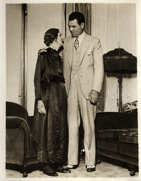 DEMPSEY, JACK WIRE PHOTO (WITH MOTHER OF TEX RICKARD-1930)