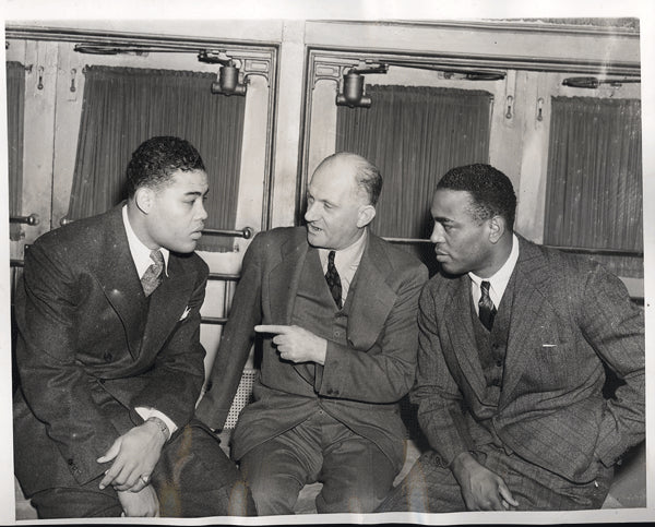 LOUIS, JOE-JOHN HENRY LEWIS WIRE PHOTO (1938-CONTRACT SIGNING)