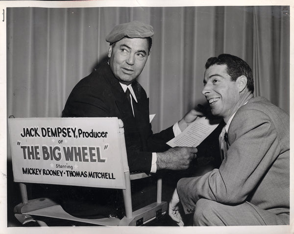 DEMPSEY, JACK & JOE DIMAGGIO WIRE PHOTO (1949-SET OF THE BIG WHEEL)