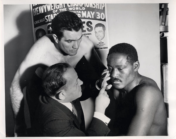 CHARLES, EZZARD-JOEY MAXIM WIRE PHOTO (1951-PRE FIGHT PHYSICAL)