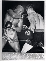 HARRIS, GYPSY JOE-MIGUEL BARRETO WIRE PHOTO (1967-3RD ROUND)