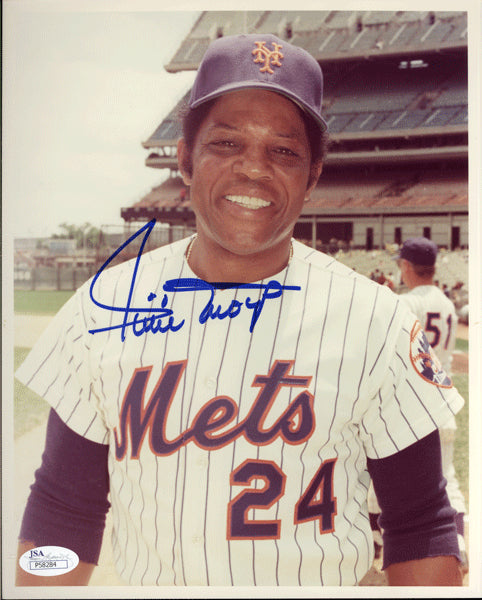 MAYS, WILLIE SIGNED PHOTO (METS-JSA AUTHENTICATED)
