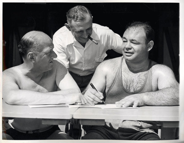 GALENTO, TONY-MIKE JACOBS WIRE PHOTO (1939-SIGNING CONTRACT FOR LOUIS FIGHT)