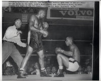 MOORE, ARCHIE-TONY ANTHONY WIRE PHOTO (1957-6TH ROUND-ANTHONY DOWN)