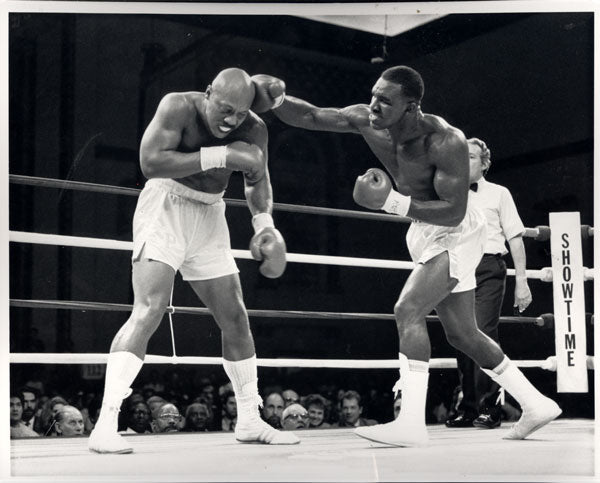 HOLYFIELD, EVANDER-PINKLON THOMAS ORIGINAL PHOTO (1988)