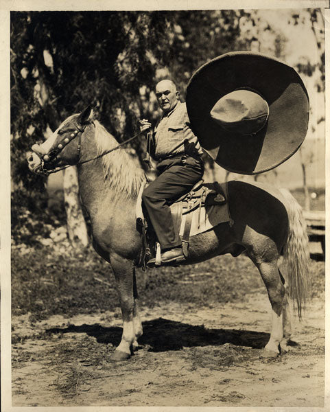 JEFFRIES, JAMES J. ORIGINAL WIRE PHOTO (1930-RIDING HORSE)