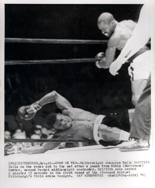 "CARTER, RUBIN ""HURRICANE""-EMILE GRIFFITH WIRE PHOTO (1963-END OF FIGHT)"