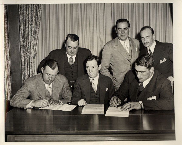 CARNERA, PRIMO-JACK SHARKEY WIRE PHOTO (1933-CONTRACT SIGNING)