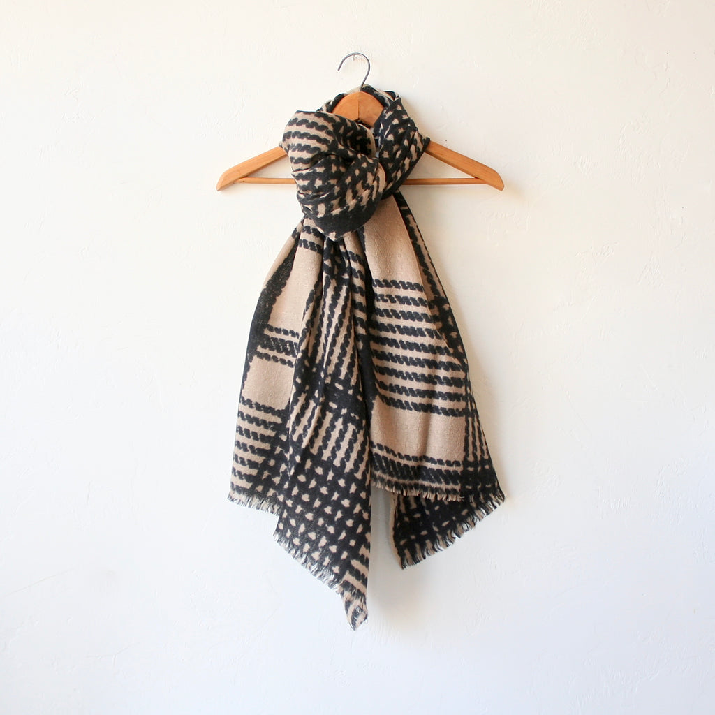 Épice Large Plaid Scarf