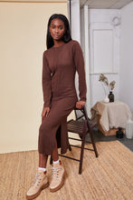 Afbeelding in Gallery-weergave laden, NATIVE YOUTH Adley Knitted Midi Dress