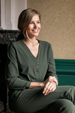 Afbeelding in Gallery-weergave laden, Studio Anneloes Evi basic blouse 7000 green