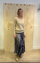 Afbeelding in Gallery-weergave laden, BINDI Ciska Skirt  0174 Tie Dye Navy