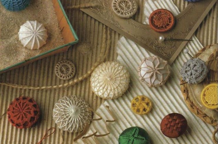 Embroided Dorset heirloom buttons in various sizes and colours